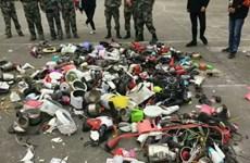 Nhà trường gây sốc vì đập nát nhiều vật cấm thu từ ký túc xá