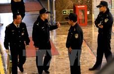 Doanh nhân Trung Quốc bị truy nã ra đầu thú sau 15 năm trốn chạy