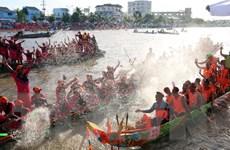 Tưng bừng Lễ hội đua ghe Ngo đồng bào Khmer Sóc Trăng 2016