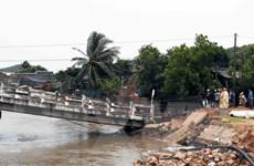 Cà Mau: Sập cầu Cái Trăng, 3 bà cháu đều rơi xuống sông