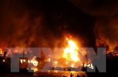 Cháy kinh hoàng ở Nha Trang, nhiều căn nhà bị thiêu rụi