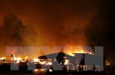 """[Photo] """"Biển lửa"""" khủng khiếp trong vụ cháy lớn ở Nha Trang"""