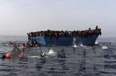 Italy cứu hơn 1.300 người di cư trên biển Địa Trung Hải