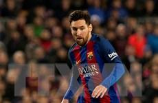 Messi ký hợp đồng mới với Adidas, chưa quyết định tương lai với Barca