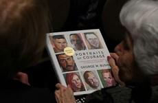 Sách ảnh của cựu Tổng thống Bush lọt vào top sách bán chạy
