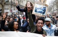 Tái diễn biểu tình tại Paris phản đối hành động tùy tiện của cảnh sát