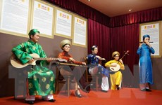 Chiêm ngưỡng hơn 100 chân dung tượng sáp nghệ sỹ Việt Nam