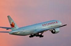 Canada ban luật bảo vệ hành khách đi máy bay sau sự cố United Airlines