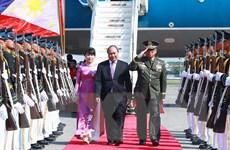 Thủ tướng đến Philippines, bắt đầu tham dự Hội nghị cấp cao ASEAN