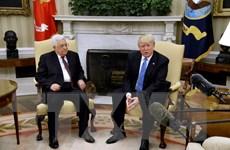 Tổng thống Mỹ Donald Trump tiếp đón người đồng cấp Palestine