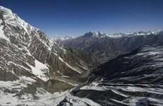 Du khách bị phạt 22.000 USD vì leo núi Everest không xin phép
