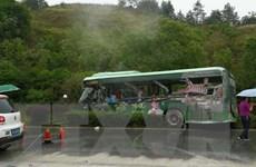 Xe buýt va chạm với xe tải ở Trung Quốc, 10 người thiệt mạng