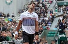 Djokovic bật khỏi tốp 2 thế giới sau thất bại tại Roland Garros