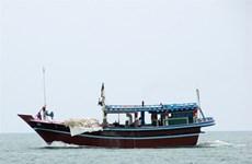 """Malaysia """"mạnh tay"""" với ngư dân nước ngoài đánh bắt cá trái phép"""