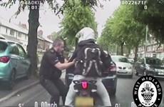 Tên trộm xe máy choáng váng khi bị cảnh sát bắt ngay trên đường