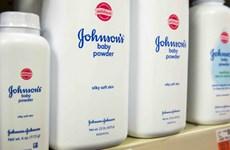 Johnson & Johnson phải bồi thường 417 triệu USD cho một nữ khách hàng