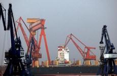 """Trung Quốc xuất khẩu """"nhỏ giọt"""" xăng dầu sang Triều Tiên trong tháng 7"""