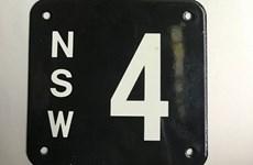 Biển số xe có duy nhất số 4 được bán với giá kỷ lục gần 2 triệu USD