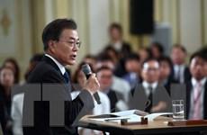 Tỷ lệ ủng hộ Tổng thống Hàn Quốc Moon Jae-in sụt giảm 4 tuần liên tiếp