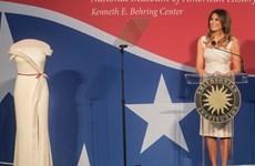 Trang phục của Đệ nhất phu nhân Melania Trump trưng bày trong bảo tàng