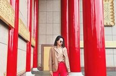 """Dàn mỹ nhân Việt """"nhuộm đỏ"""" trên sàn diễn đường phố"""