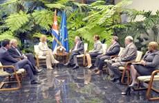 Chủ tịch Cuba Raul Castro tiếp Đại diện cấp cao của EU