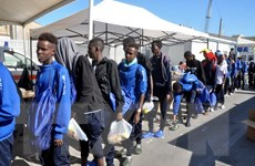 Italy tiếp tục giải cứu hơn 260 người di cư trên biển