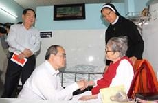 Ông Nguyễn Thiện Nhân chúc Tết cơ sở Dòng Mến Thánh giá Thủ Thiêm