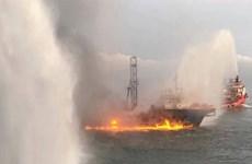 Tàu chở dầu, khí đốt cỡ lớn bị cháy ngoài khơi Malaysia