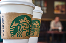 """Nestle chi hơn 7 tỷ USD """"bắt tay"""" với hãng càphê Starbucks"""