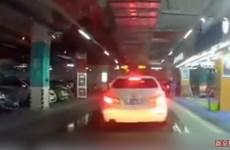 Tai nạn bất ngờ tại bãi đỗ xe ôtô ở Trung Quốc, nổ gas ở Hàn Quốc