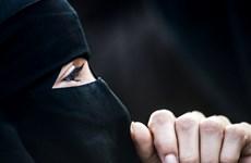 Đan Mạch thông qua luật cấm trang phục sử dụng mạng che mặt