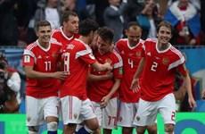 Tuyển Nga lập hàng loạt kỷ lục sau trận mở màn lịch sử