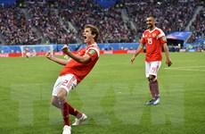 Chùm ảnh 'Gấu Nga' đè bẹp Ai Cập, rộng cửa vào vòng 2 World Cup 2018
