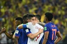 "James Rodriguez ""tiễn"" người đồng đội Bayern Lewandowski về nước"