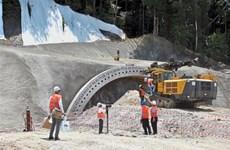 Malaysia ngừng dự án đường sắt 20 tỷ USD với nhà thầu Trung Quốc