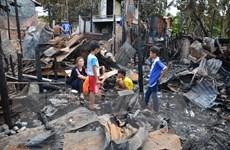 Chia sẻ khó khăn với kiều bào sau vụ hỏa hoạn ở thủ đô Phnom Penh