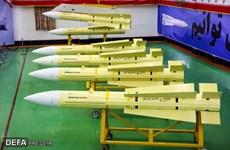 Iran bắt đầu sản xuất tên lửa không đối không tầm trung Fakour