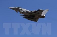 Chiến đấu cơ Typhoon của Anh xuất kích chặn máy bay Nga