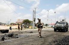 Đoàn xe hộ tống bọc thép của EU bị trúng bom tại Somalia