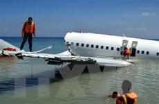 Tìm thấy nhiều ghế được cho là của máy bay Indonesia gặp nạn