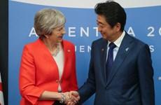 Thủ tướng Nhật Bản hối thúc Anh tránh Brexit không thỏa thuận