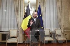 Một loạt các bộ trưởng từ chức, Chính phủ Bỉ trở thành thiểu số