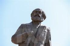 """Hợp đồng xuất bản cuốn """"Tư bản luận"""" của Karl Marx có giá kỷ lục"""