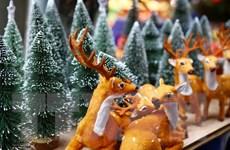 [Photo] Hà Nội nhộn nhịp thị trường mùa Giáng sinh 2018