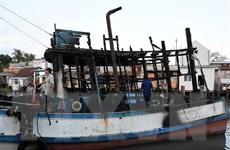 Cháy 1 tàu cá và 3 căn nhà ở Rạch Giá, thiệt hại hàng tỷ đồng