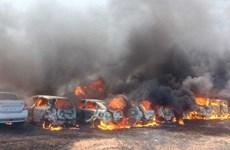 Cháy lớn thiêu hủy hàng trăm ôtô tại triển lãm hàng không Ấn Độ
