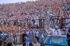 Sau khi bị trì hoãn một tuần, Nigeria bắt đầu tiến hành bầu cử