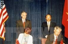 Hình ảnh về mối quan hệ Việt Nam-Hoa Kỳ qua các thời kỳ