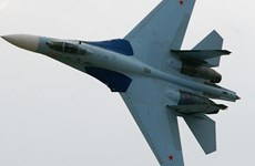 Chiến đấu cơ Su-27 chặn máy bay trinh thám của Mỹ gần không phận Nga